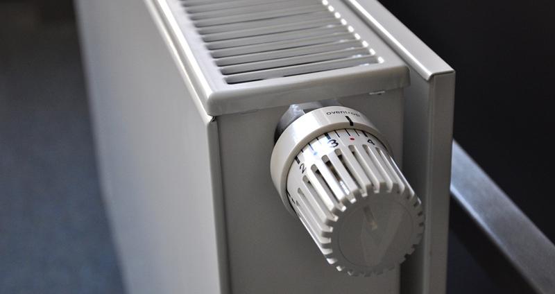 Controlar el gasto individual en las viviendas con calefacción central ahorraría un 30%, según un estudio