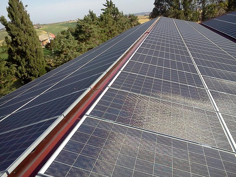 Barcelona implementa las primeras instalaciones fotovoltaicas de autoconsumo compartido en edificios de viviendas municipales