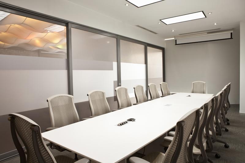 Las oficinas de APIEM reduce un 65% su factura energética gracias a la tecnología Led de LEDVANCE