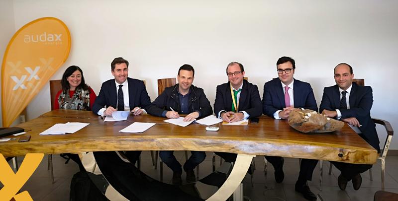 Firma del PPA entre Audax Renovables y Trina Solar.