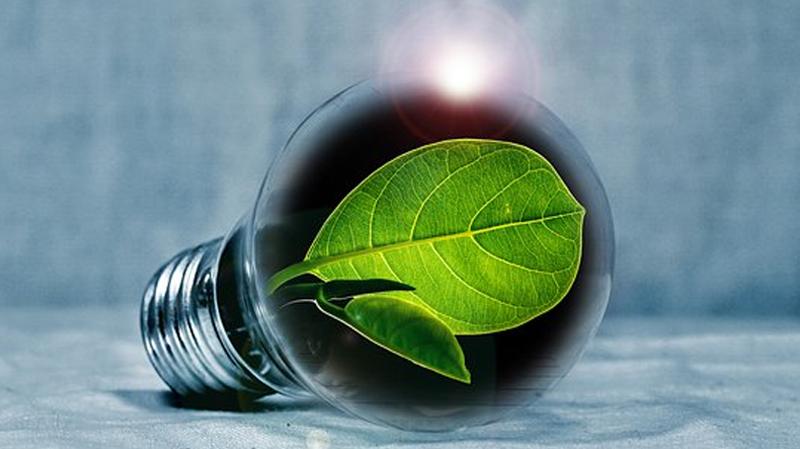 El valor de una propiedad se ve afectado al mejorar su rendimiento energético, ya quese asocia a menores costes de operación y, por lo tanto, a un mayor flujo de efectivo de propietario.