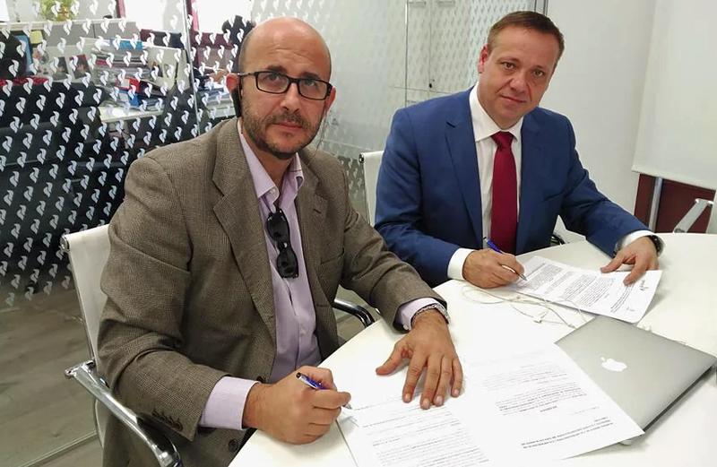 Acto de firma del convenio entre Conaif y Avant