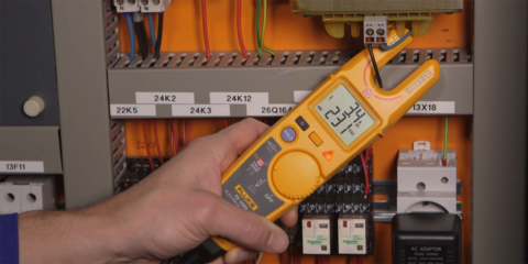 Cómo medir tensión sin cables de prueba: nuevo comprobador eléctrico Fluke T6