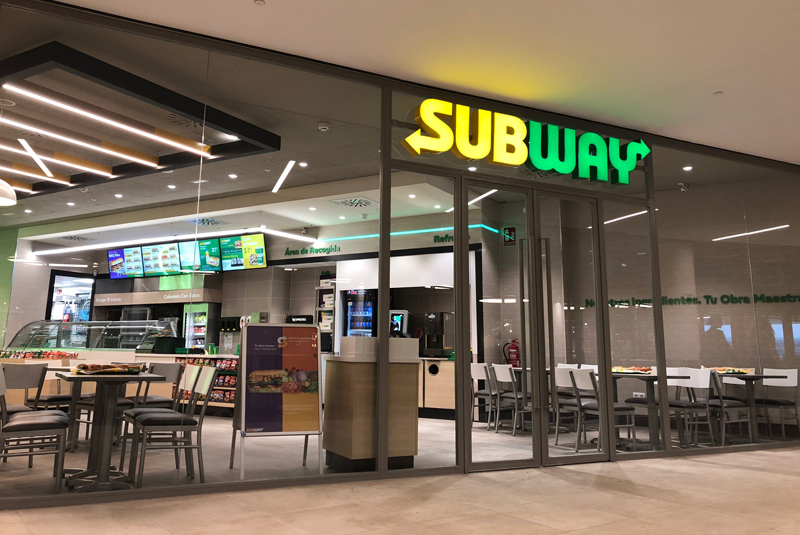 Fachada restaurante Subway.