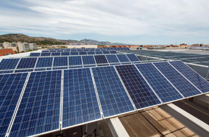 Paneles fotovoltaicos autoconsumo Universitat Jaume I.