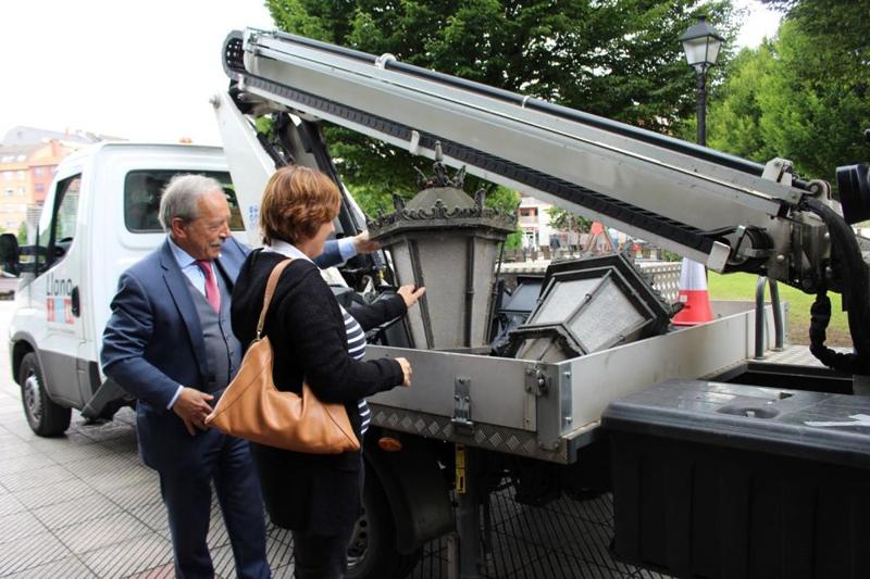 Sustitución de alumbrado público en Oviedo.
