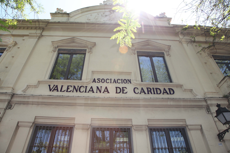 Fachada de Casa Caridad, sede de la ONG Asociación Valenciana de Caridad.
