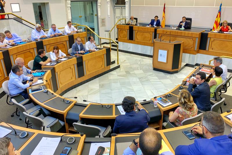 Pleno de la Diputación de Alicante.