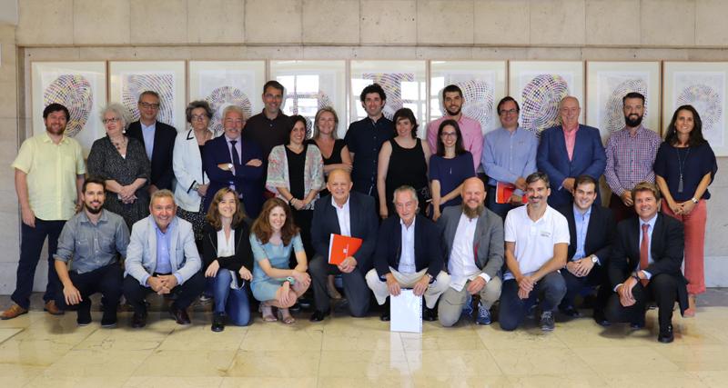 Foto de familia de la segunda reunión del Comité Técnico del VI Congreso Edificios Energía Casi Nula.