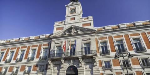 La Comunidad de Madrid destina 99 millones para el suministro eléctrico renovable de edificios públicos