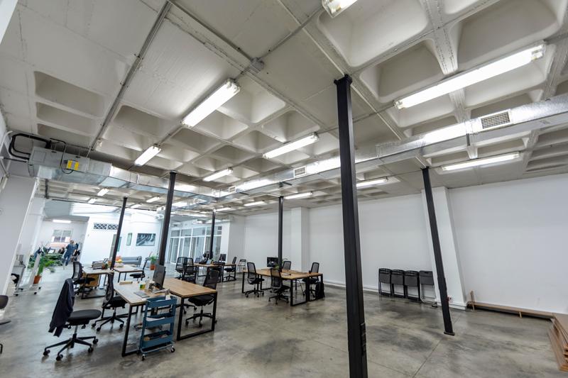 Oficinas. Iluminación LED. Signify.