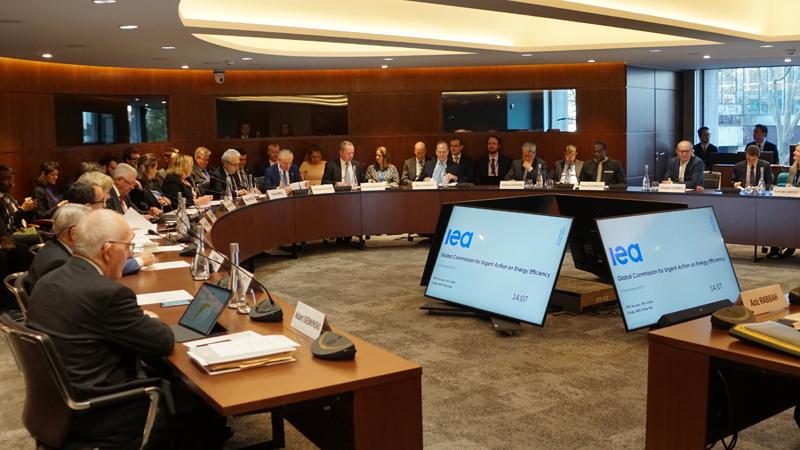 Reunión en París de la Comisión Global para Acción Urgente de Eficiencia Energética.