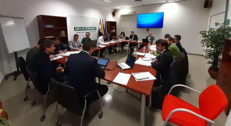 La reunión de constitución de la Mesa de Autoconsumo de Extremadura se celebró en Mérida el pasado 29 de noviembre.