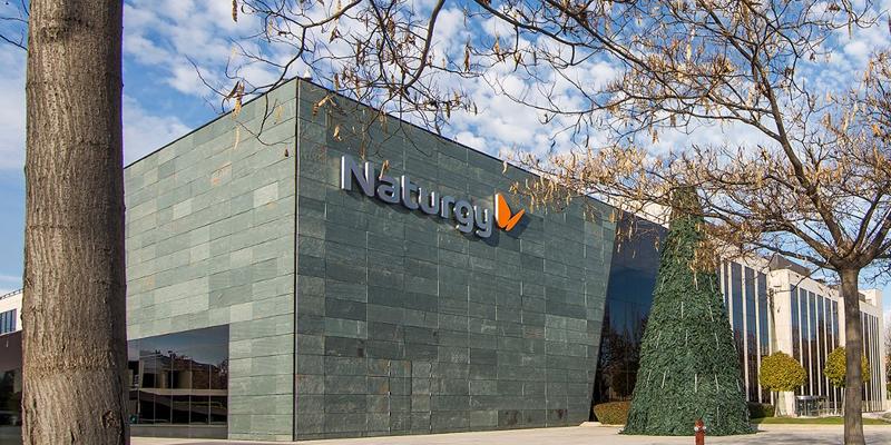 Naturgy permite a los hogares de España aplazar sus facturas de electricidad, gas y servicios y amplía sus ayudas a Pymes y autónomos