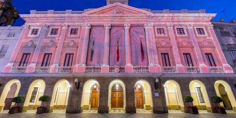 El Ayuntamiento de Cádiz ahorra energía apagando los equipos y aparatos de edificios municipales no esenciales