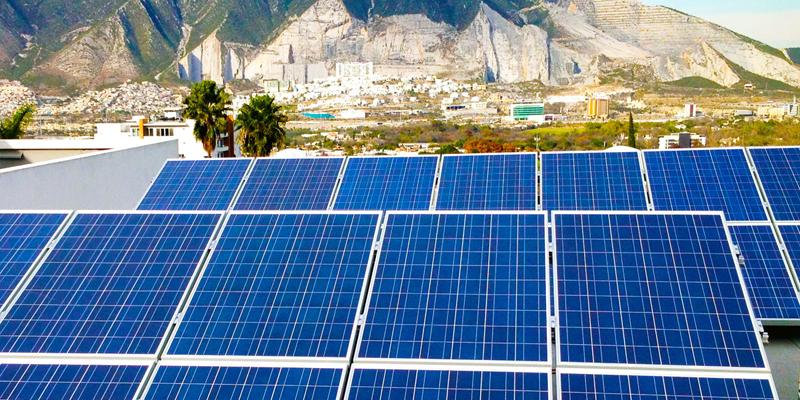 El Cabildo ayuda a buscar financiación a los solicitantes de las ayudas para instalar placas fotovoltaicas en sus viviendas