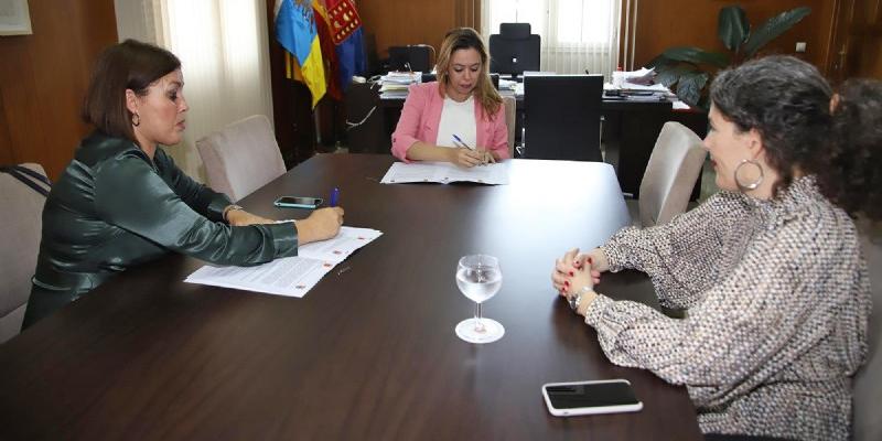 El Cabildo firma con Arrecife un convenio en materia de energías renovables y eficiencia energética