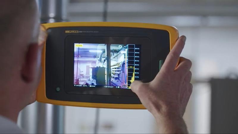 Detección de fugas de aire comprimido mediante cámara acustica industrial reduce el consumo energético de la cadena de producción.