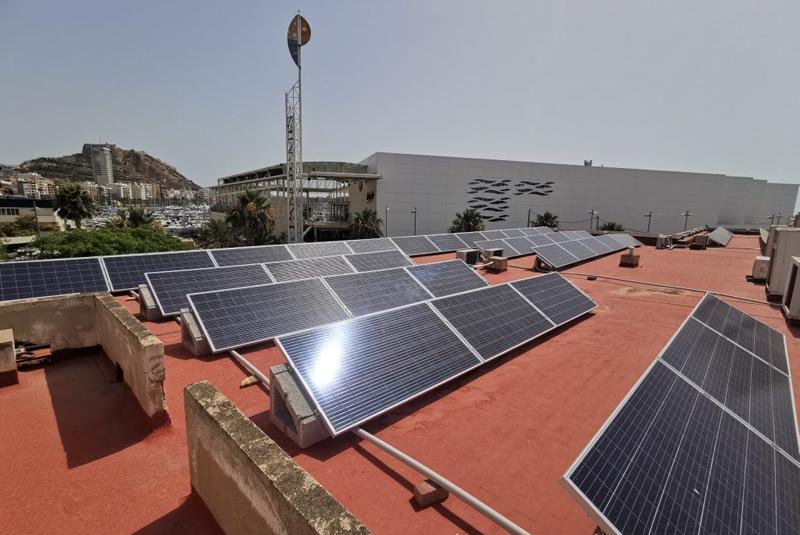 La Autoridad Portuaria adjudica el contrato de suministro eléctrico procedente 100% de renovables