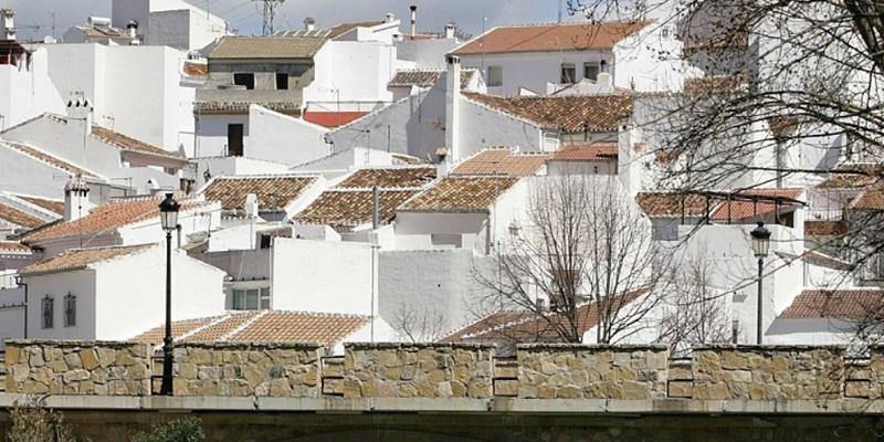 La Diputación adjudica por 1,6 millones de euros la mejora del alumbrado de 7.000 farolas en 53 municipios