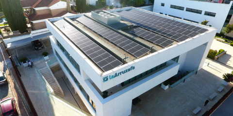Hospital de Córdoba instala 130 placas fotovoltaicas para mejorar su sostenibilidad