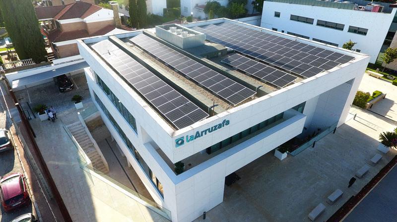 Hospital La Arruzafa garantiza su sostenibilidad energética tras instalar 130 placas solares