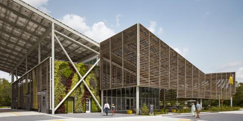McDonald's abre en EE.UU. su primer restaurante cero emisiones recubierto de vidrio fotovoltaico