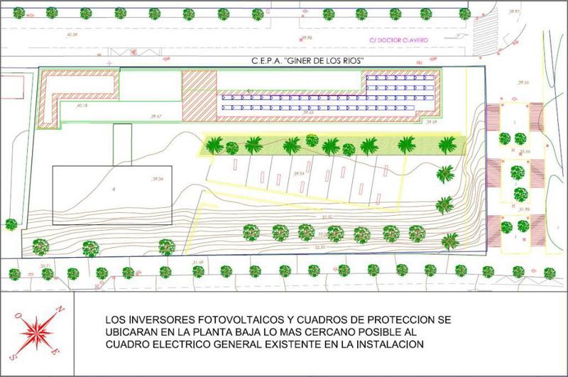 Vista en planta del colegio Giner de los Ríos de Alicante, en el que se ha estudiado la disposición de las placas fotovoltaicas en la cubierta.