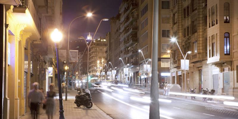 Barcelona aprueba los pliegos del nuevo contrato para un alumbrado público más eficiente y seguro
