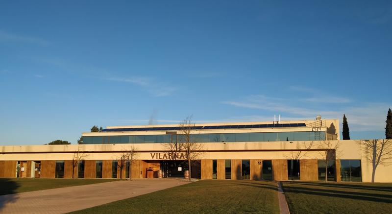 Instalación fotovoltaica en la cubierta de Vilarnau