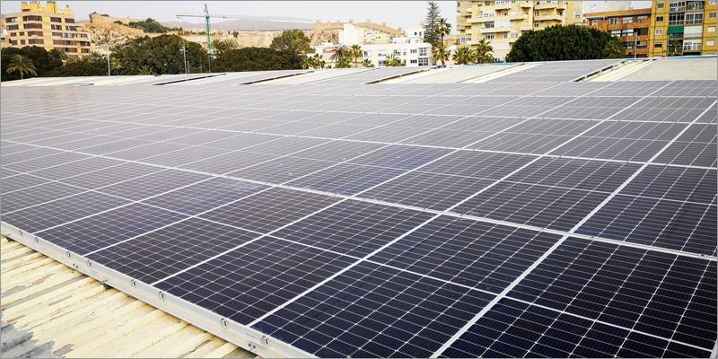 placas solares cubierta estación marítima