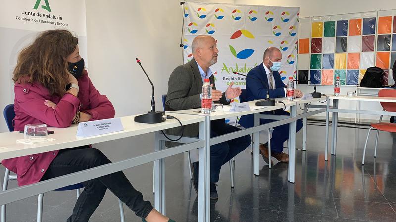 El consejero de Educación y Deporte, Javier Imbroda, en rueda de prensa