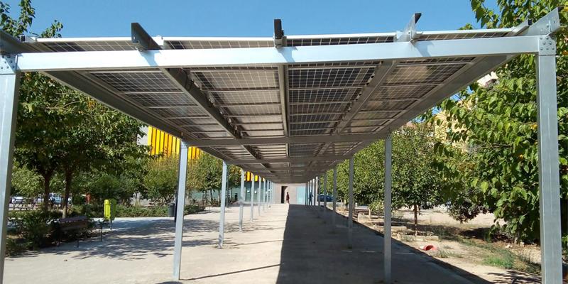 Valencia pone en funcionamiento ocho pérgolas fotovoltaicas.