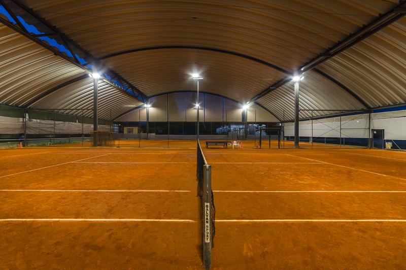 Pista de tenis indoor